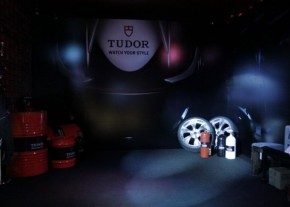 GB1tudor photo booth