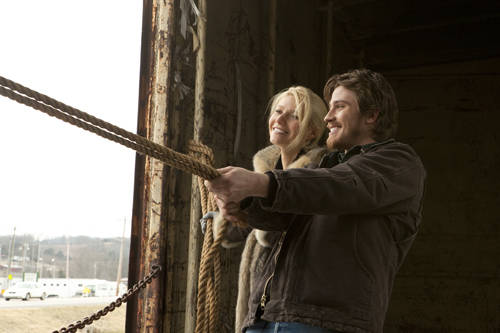 Overcoming addictions is the theme of Country Strong with Paltrow and Hedlund