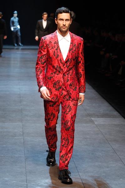 Runway_Printed-Suits_Dolce&Gabbana-FW-2011-2012-Fashion-Show-1-(8)
