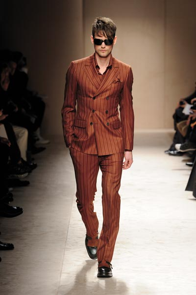 Runway_Printed-Suits_Salvatore_Ferragamo-PAG013