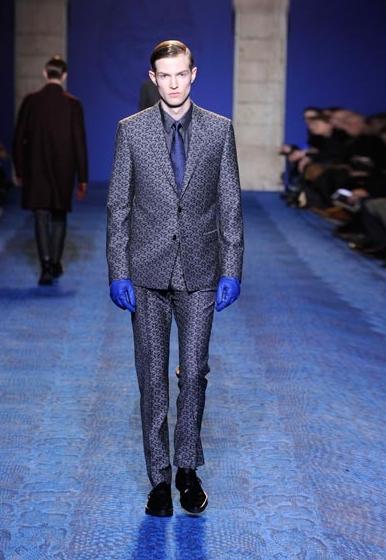 Runway_Printed-Suits_Versace- 2 DA MAN crop