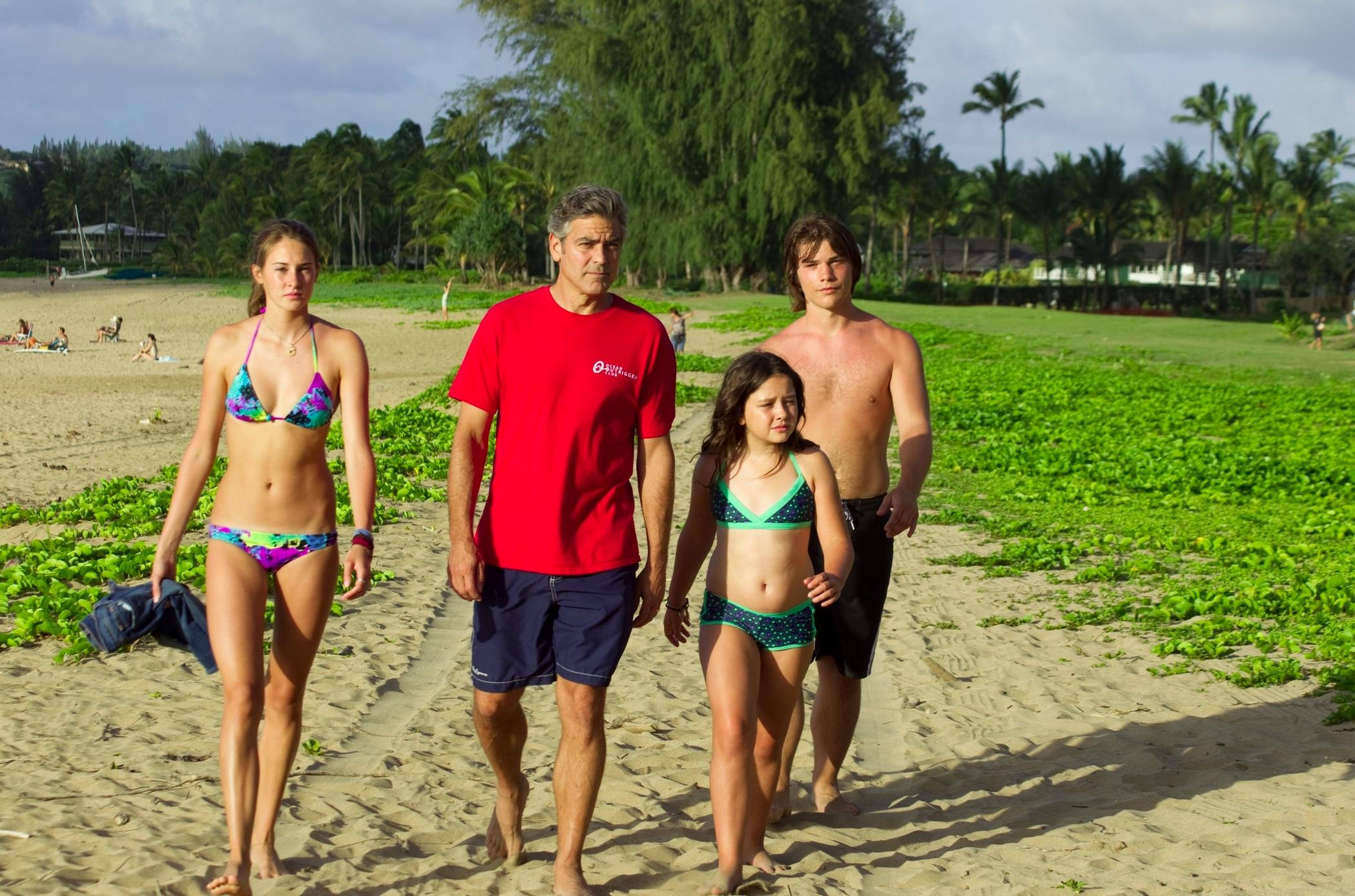 the-descendants-photo beach kauai -- DA MAN