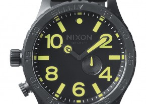 A058-1256-51-30-chrono-black-lum