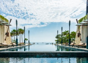 CHEDI SAKALA - The Sakala infinity beachfront swimming pool