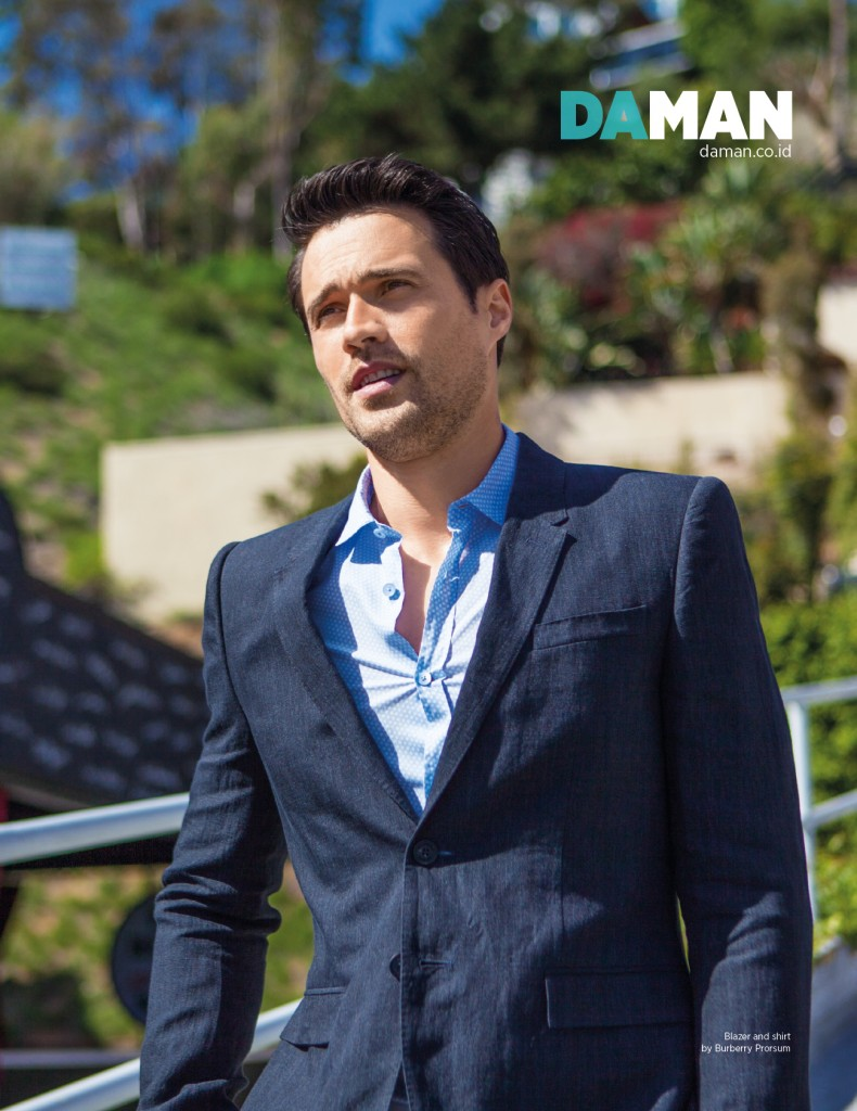 Feature Brett DALTON4