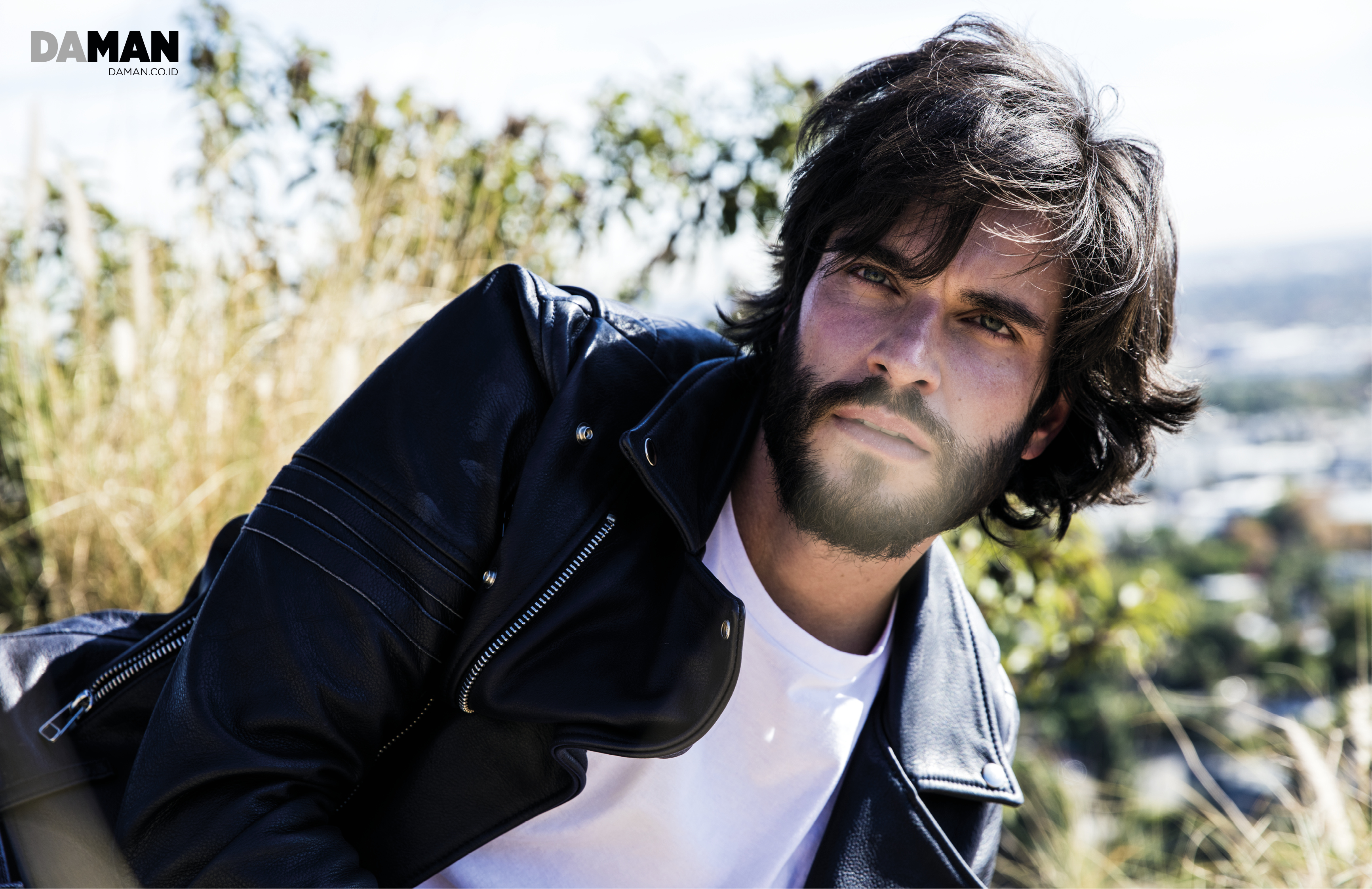 _04_FEATURE_ONLINE_Daniel di Tomasso of Witches of East End-2