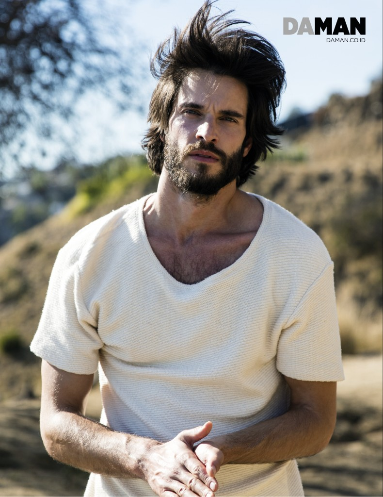 _04_FEATURE_ONLINE_Daniel di Tomasso of Witches of East End-6