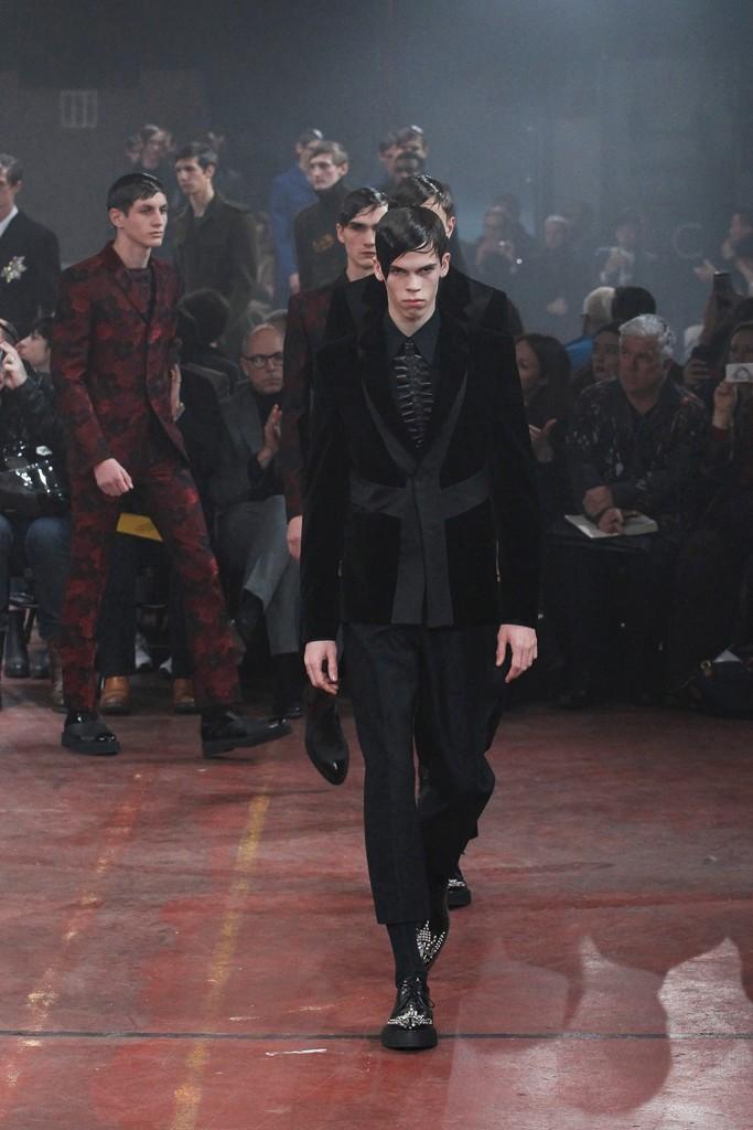 London Collections: Men Fall/Winter 2015 Alexander McQueen Runway