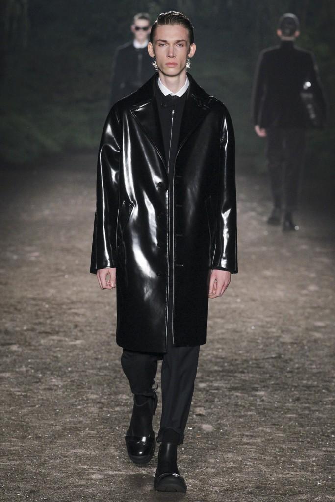 Fall/Winter 2015 Runway: Shiny Effects by Ermenegildo Zegna Couture