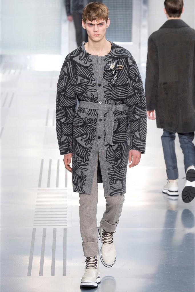 Fall/Winter 2015 Runway Trend: Louis Vuitton Belted Outerwear