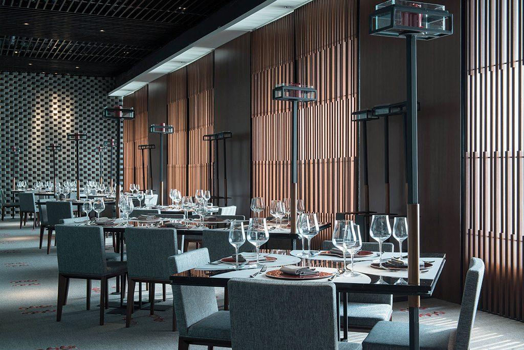 1945 Indonesian Restaurant Jakarta-dining room interior