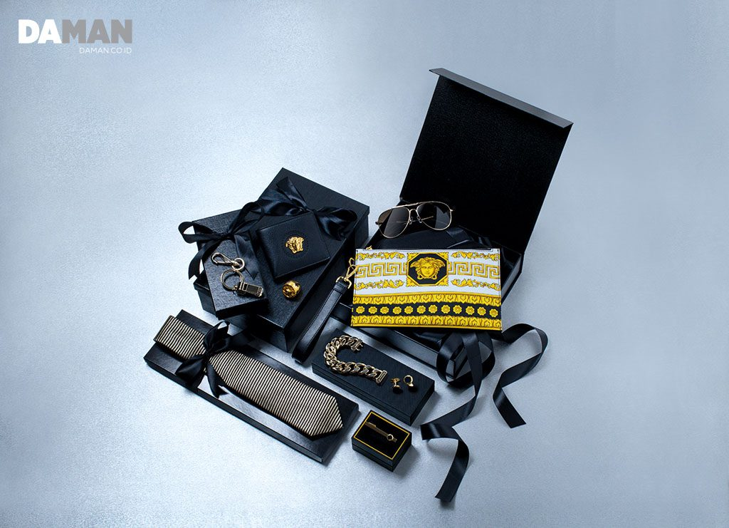 GOLD ACCESSORIES FROM VERSACE GIVENCHY CHARRIOL DUNHILL EMPORIO ARMANI