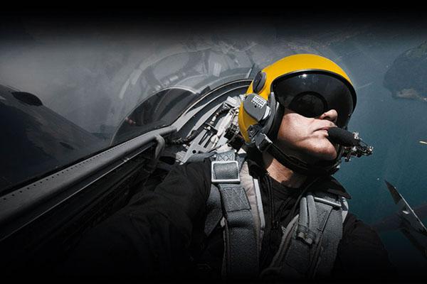 Special Report DA MAN Met Breitling Jet Team & John Travolta at 2015 Reno Air Races-1a