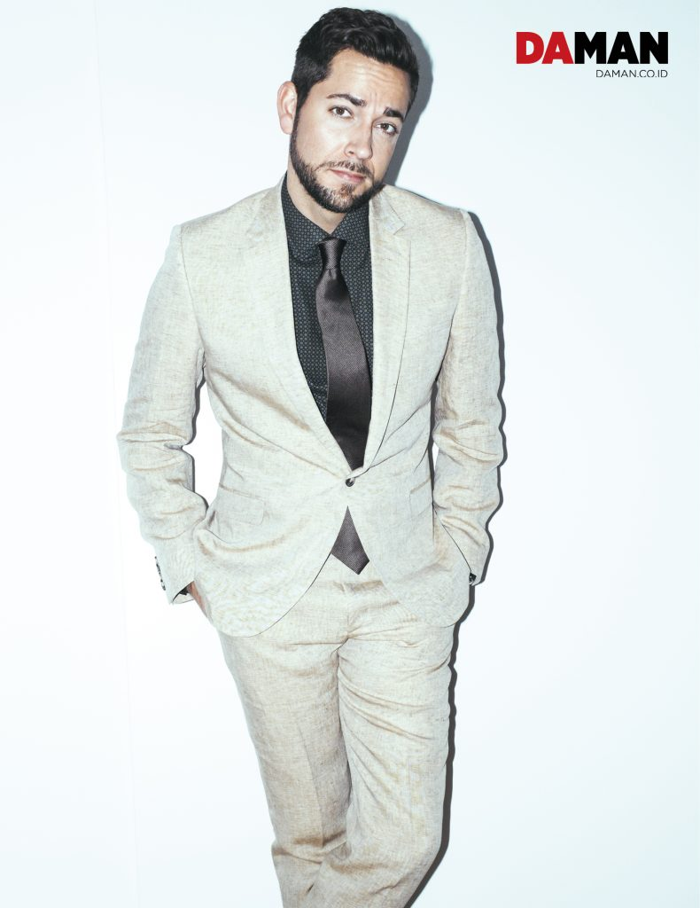 FEATURE_Zachary Levi in Calvin Klein, Etro and Drakes_FPS_2