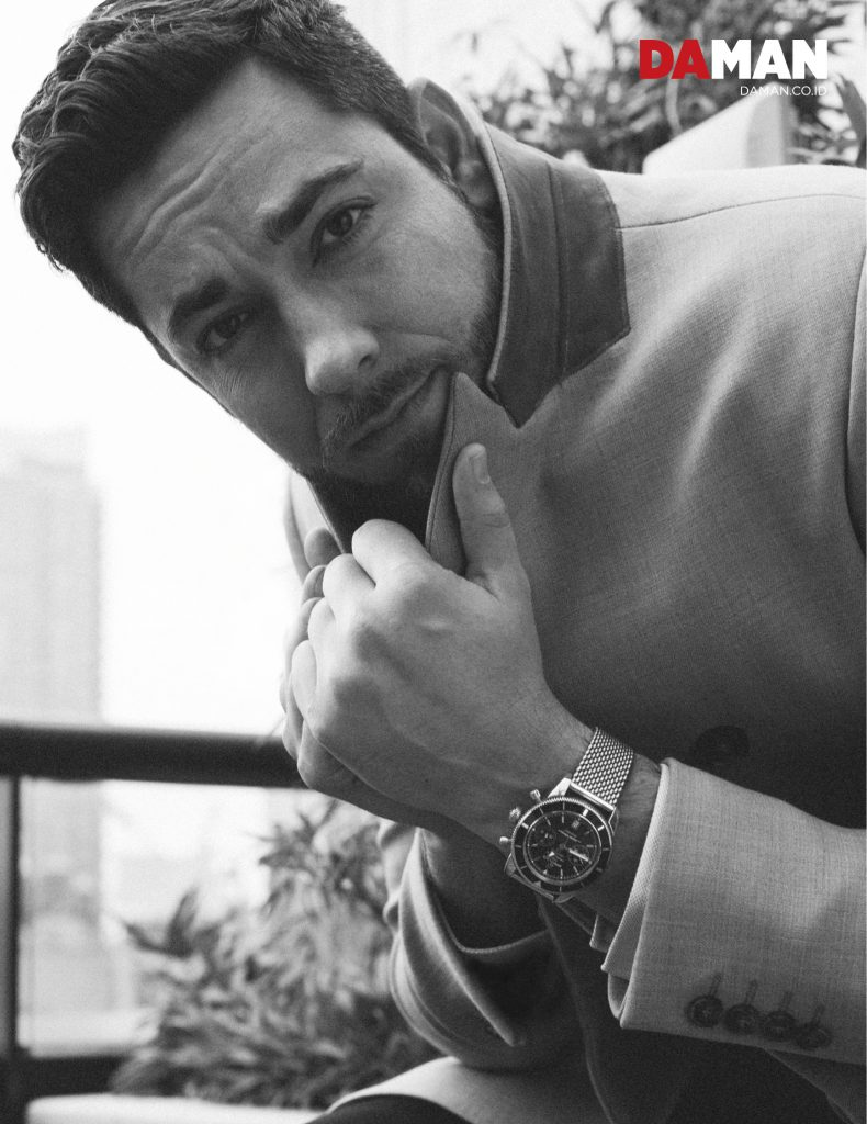 FEATURE_Zachary Levi in Canali, Dunhill London, Breitling_FPS_5