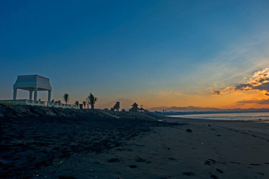 BeachArea-Sunrise-rl