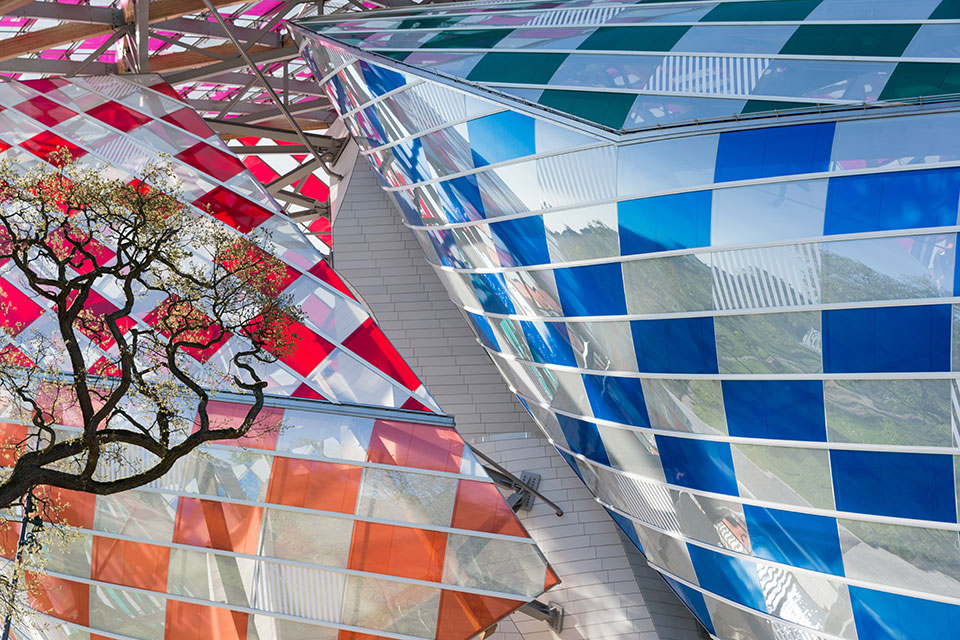 fondation louis vuitton gets a rainbow makeover from daniel buren-1