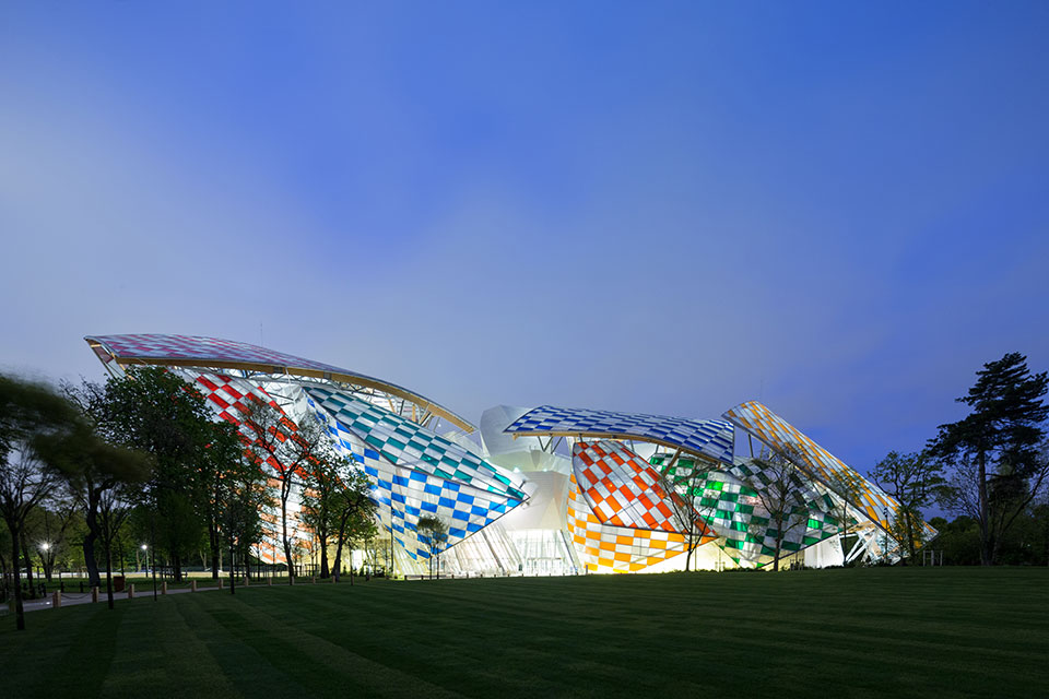 fondation louis vuitton gets a rainbow makeover from daniel buren-2