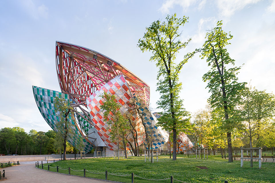 fondation louis vuitton gets a rainbow makeover from daniel buren-3