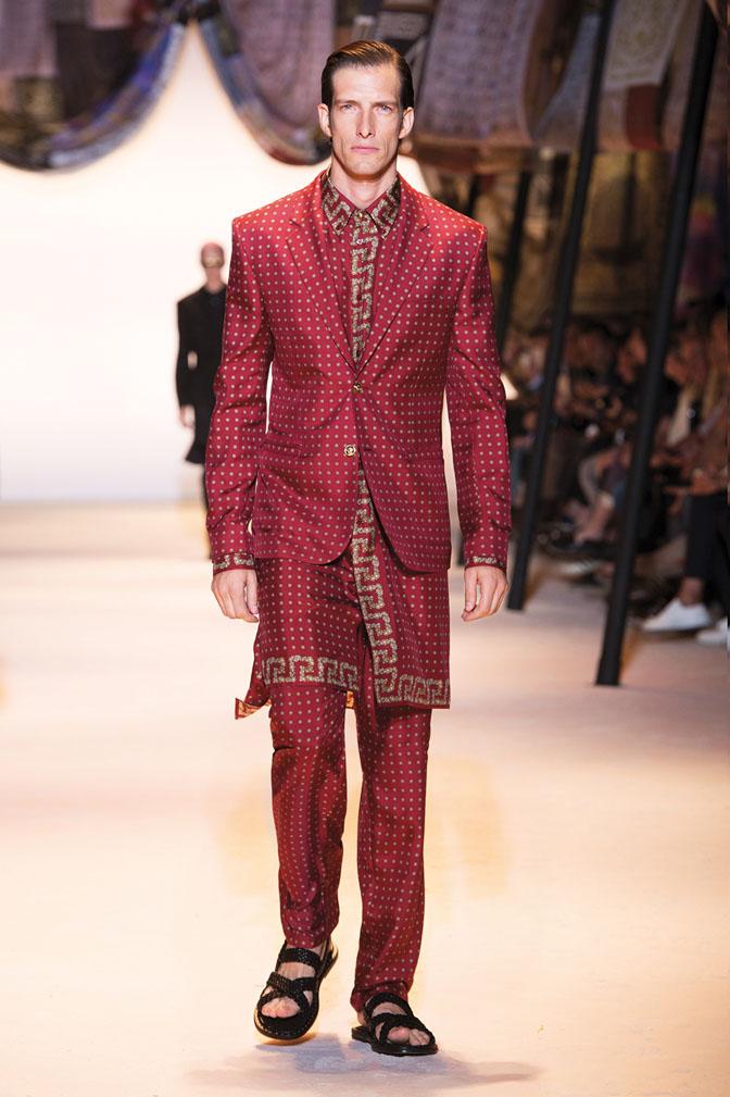 model ivan de Pineda in arabian-inspired outfit-exclusive versace interview da man style-small