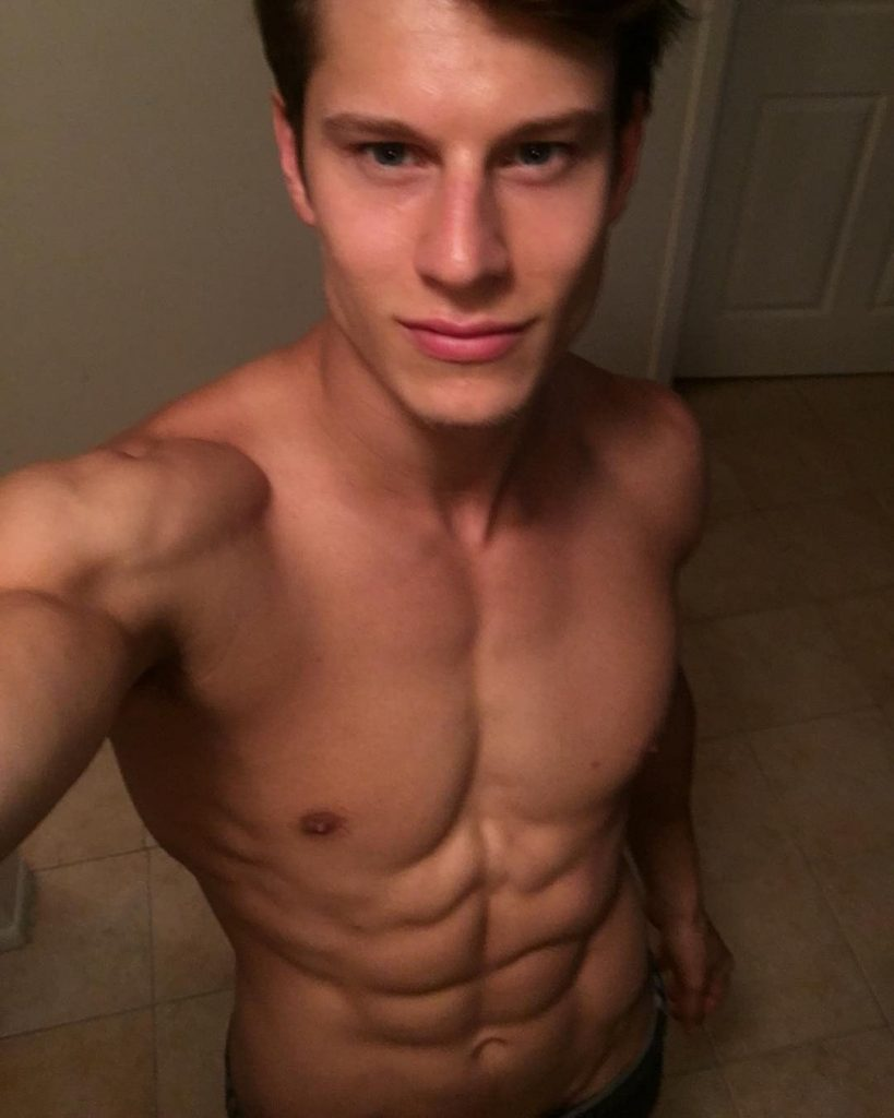 10 male models to follow on instagram_eian scully