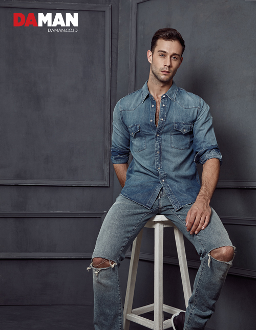 DA MAN Essentials - Distressed Jeans Denim by Saint Laurent