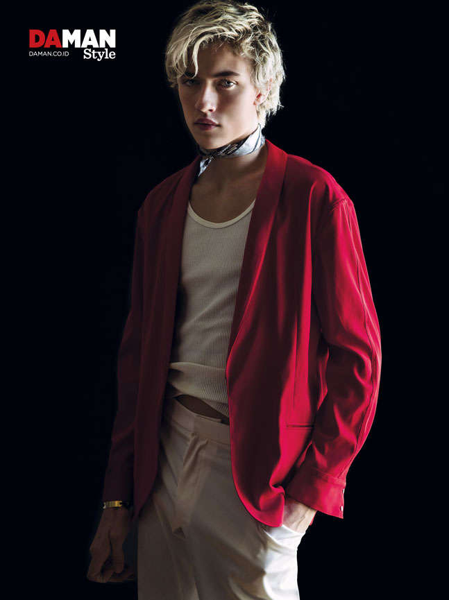 Lucky Blue Smith to Publish His Own Book