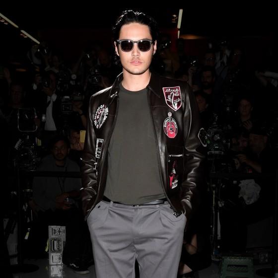dolce-gabbana-ss17-mens-fashion-show-millennials-celebrities-Levi-Dylan-560x560