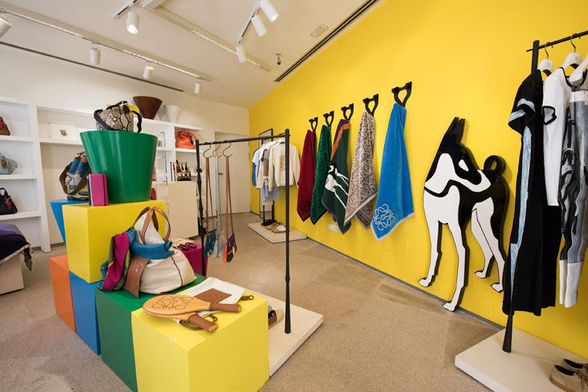 loewe ibiza summer shop-1