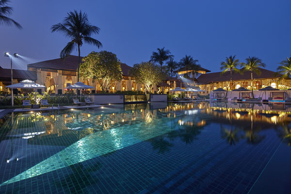 sofitel singapore sentosa pool night