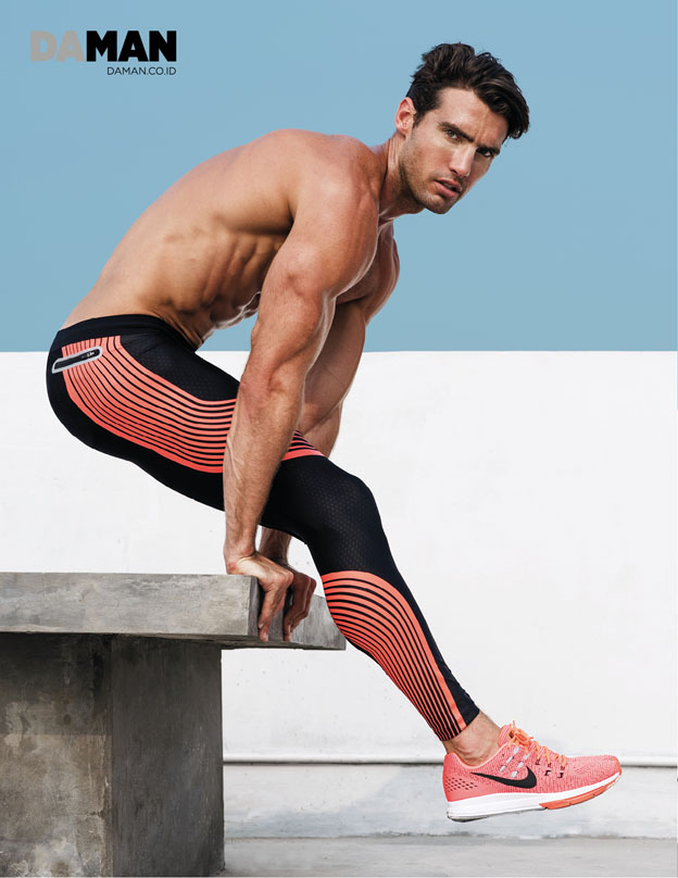 Outtake Mitchell Wick in Compression leggings and sneakers by Nike