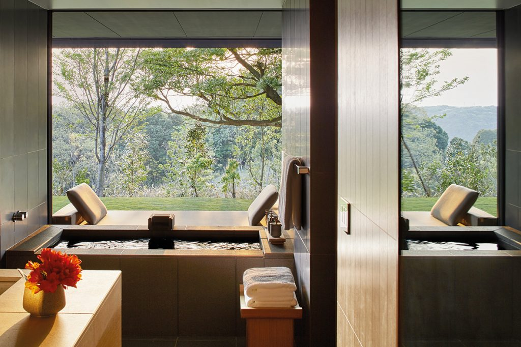 RS2890_Amanemu - bathroom with private onsen