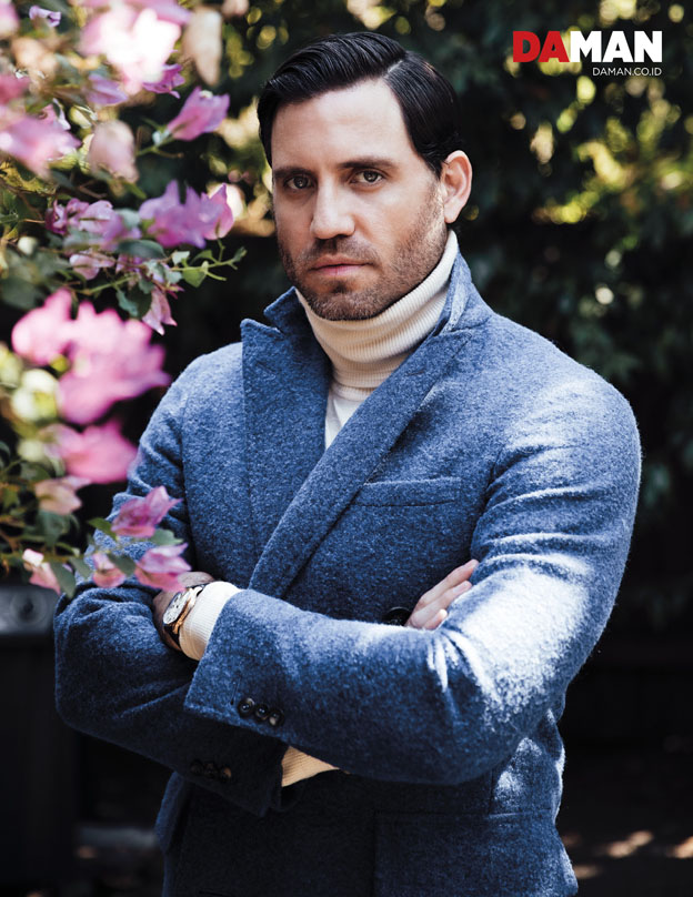 Edgar Ramirez The girl in the Train, Hands of Gold, Gold in Outfit by Canali, watch by Cartier