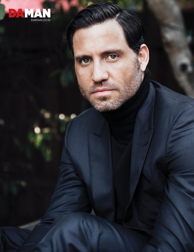 OUTTAKE_Edgar Ramirez The girl in the Train, Hands of Gold, Gold in Suit by Ermenegildo Zegna, turtleneck sweater by Sandro