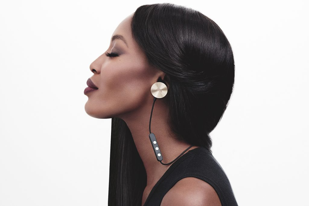 naomi campbell for buttons earphones