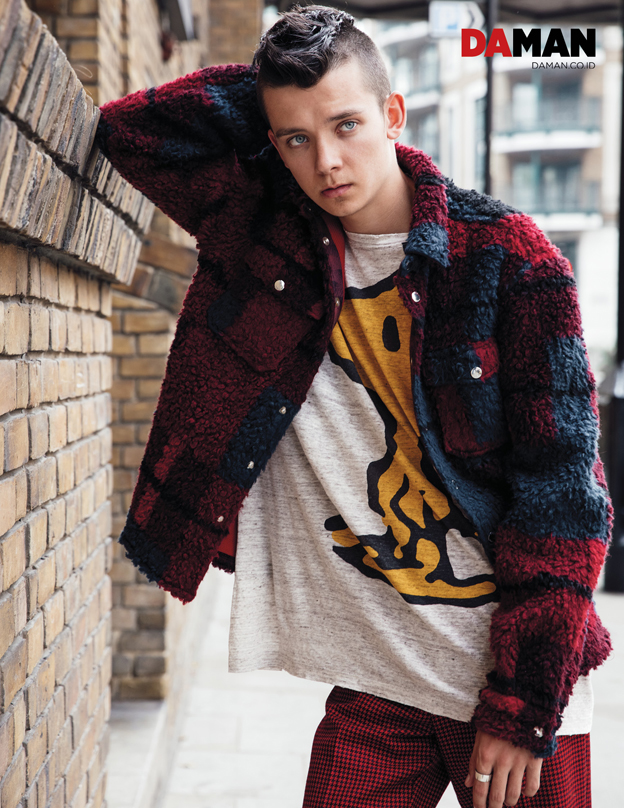 Asa Butterfield of The Space Between Us in Jacket and pants by Kenzo, T-shirt by Gucci