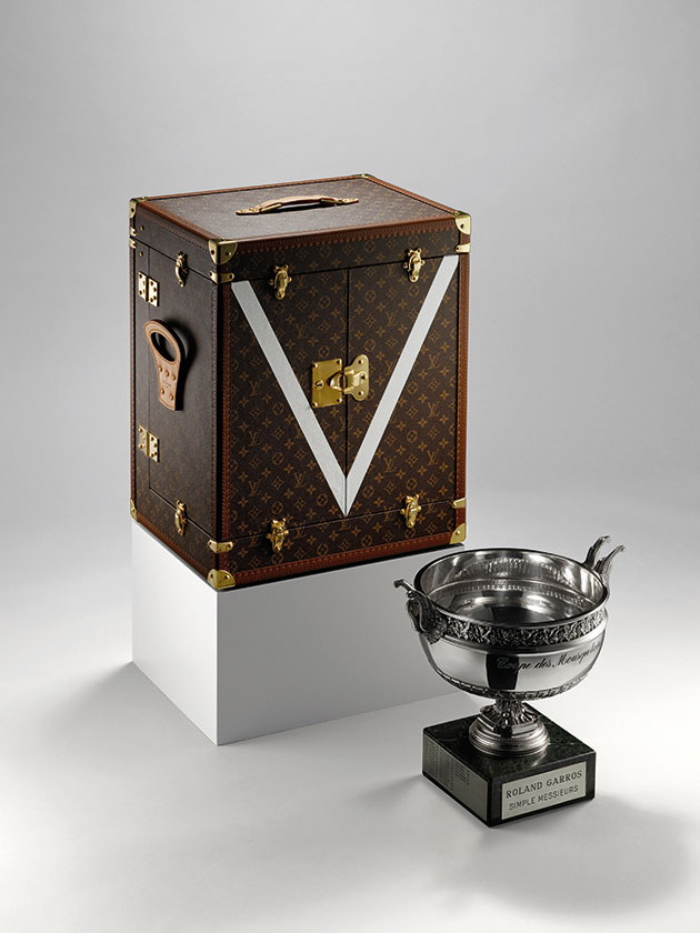 Suzanne Lengnen trophy and trunk