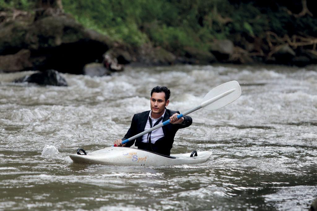 the two actors having a bit of fun kayaking