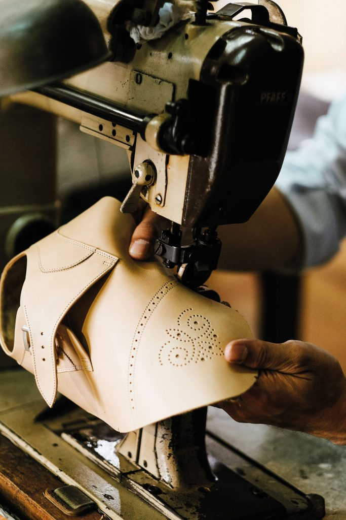 03-Sewing-the-upper