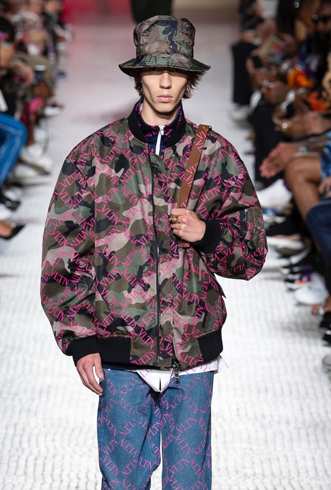 Valentino Spring 2019 Menswear Collection by Pierpaolo ...