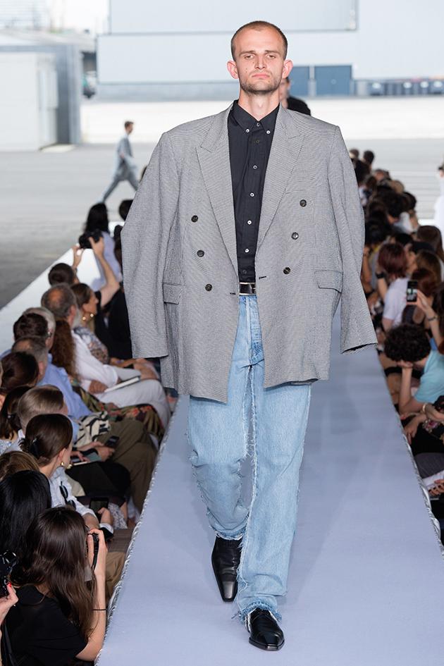 Vetements, Runway report, blazer and jeans