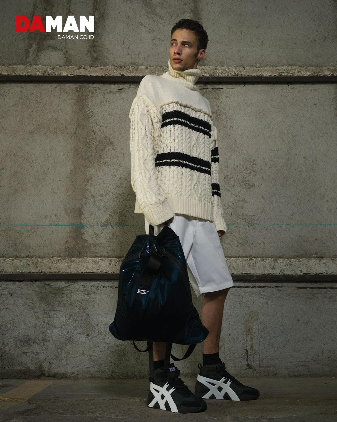 Knitted turtleneck pullover, shorts, backpack, socks, BiG LOGO TrAiner 2.0 mT