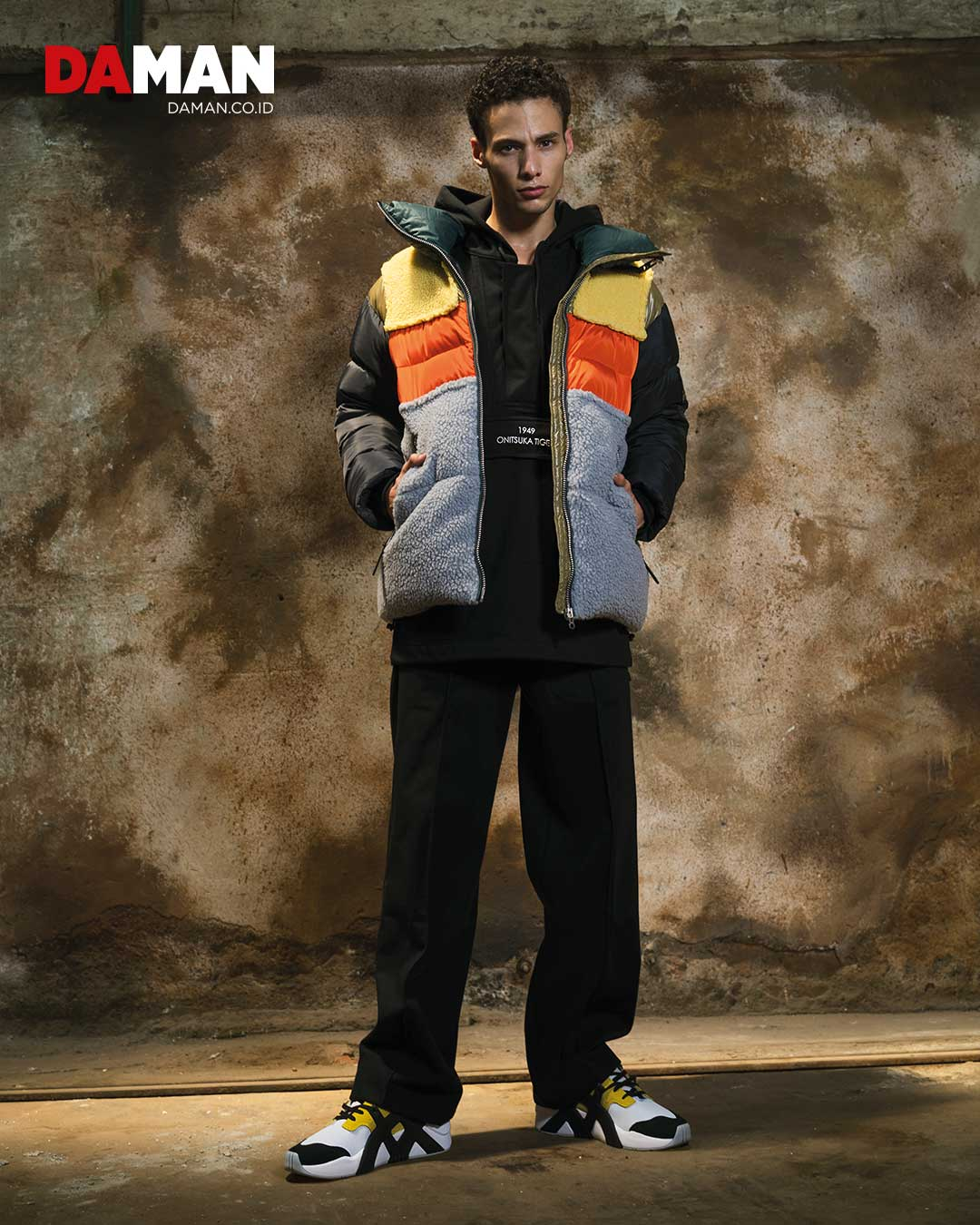Multi-coloured quilted puff jacket, hooded sweater, pants, BIG LOGO Trainer