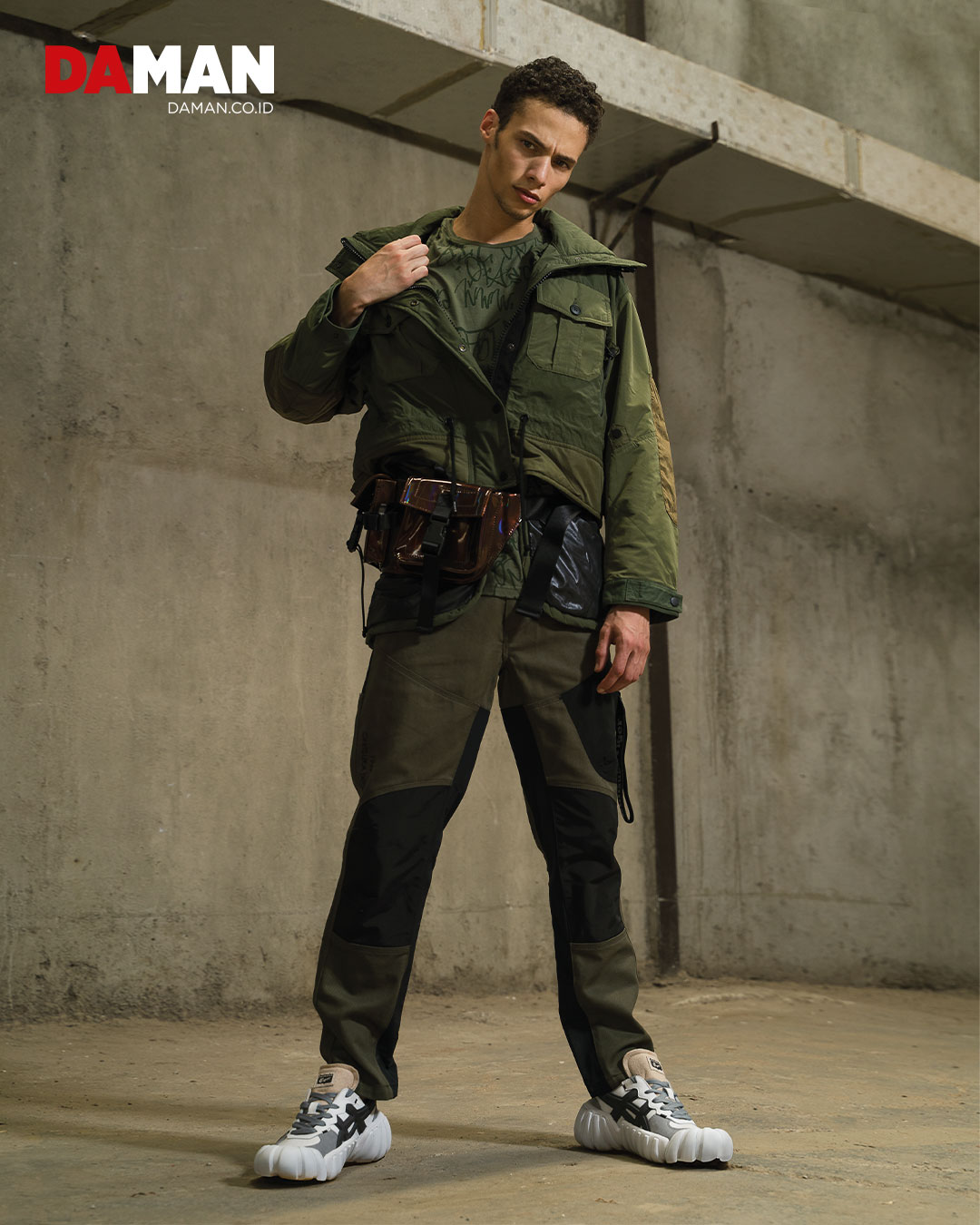 Military inspired jacket with detachable inner vest, cargo pants, DENTIGRE LS