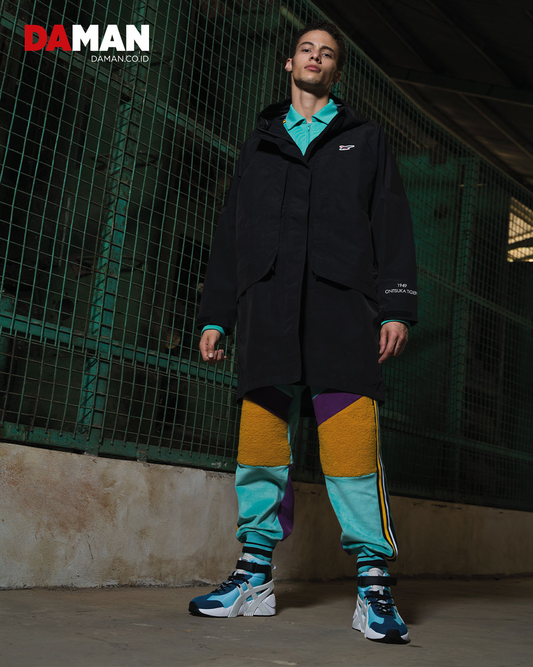 Track top, multi-colored pants, overcoat, BIG LOGO TRAINER 2.0 MT