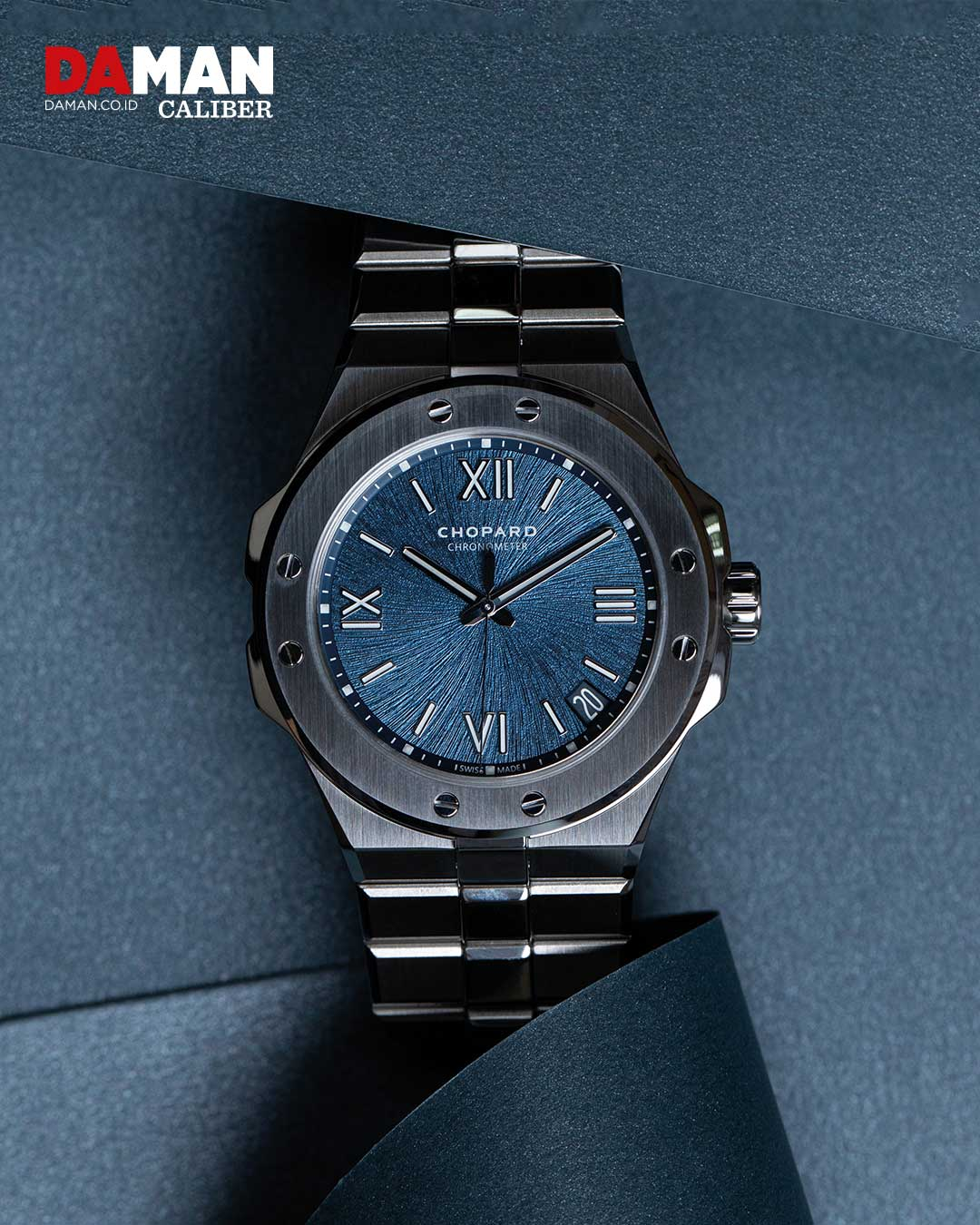 Chopard Alpine Eagle large in Lucent Steel A223 with steel bracelet